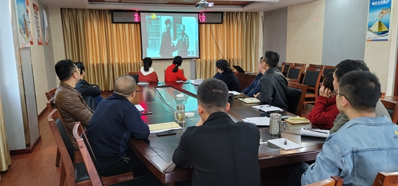 """龙门峡南矿各党支部开展""""爱国、爱企、爱岗""""主题党日活"""